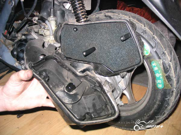 Обслуживание поролонового воздушного фильтра мотоцикла